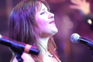Gloria solista nella registrazione del DVD